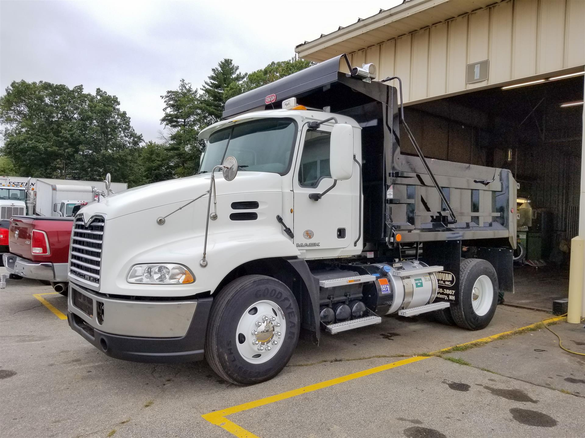 2012 Mack PINNACLE CXU612 Dump Truck