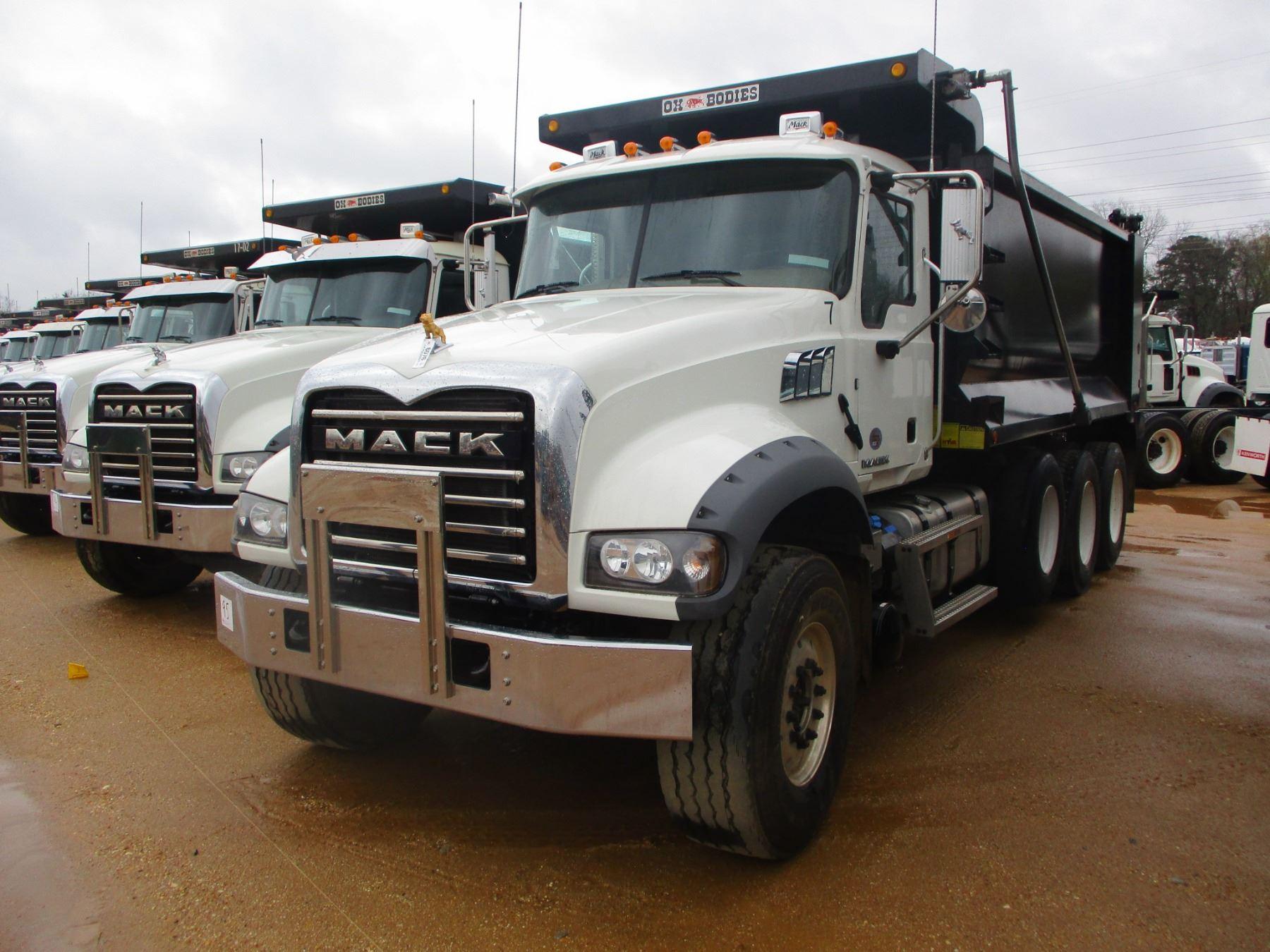 2017 Mack GRANITE GU713 DUMP TRUCK 562146 Dump Truck