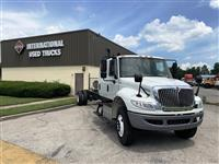 2016 International 4300 Crew Cab