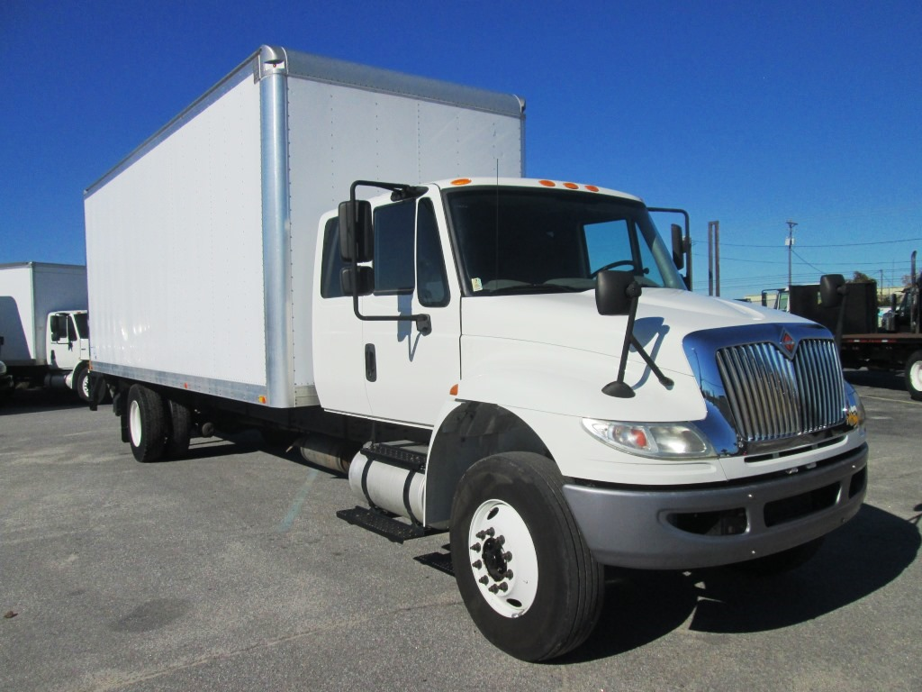 2017 International 4300 Extended Cab
