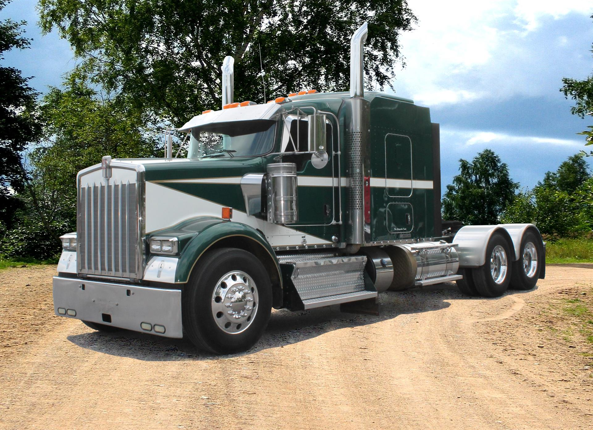 Used 2011 Kenworth W900B for Sale