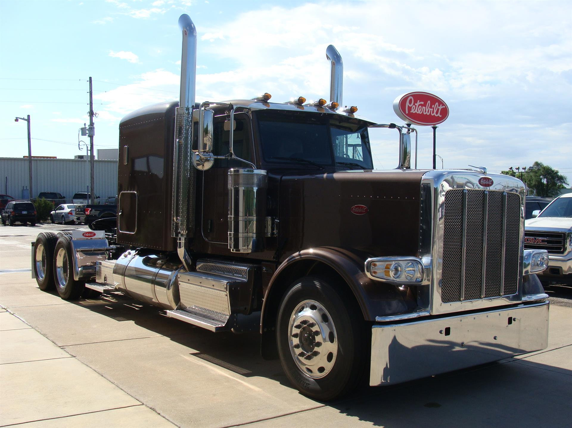 100 Peterbilt Peterbilt 359 Wallpaper 2432x1622