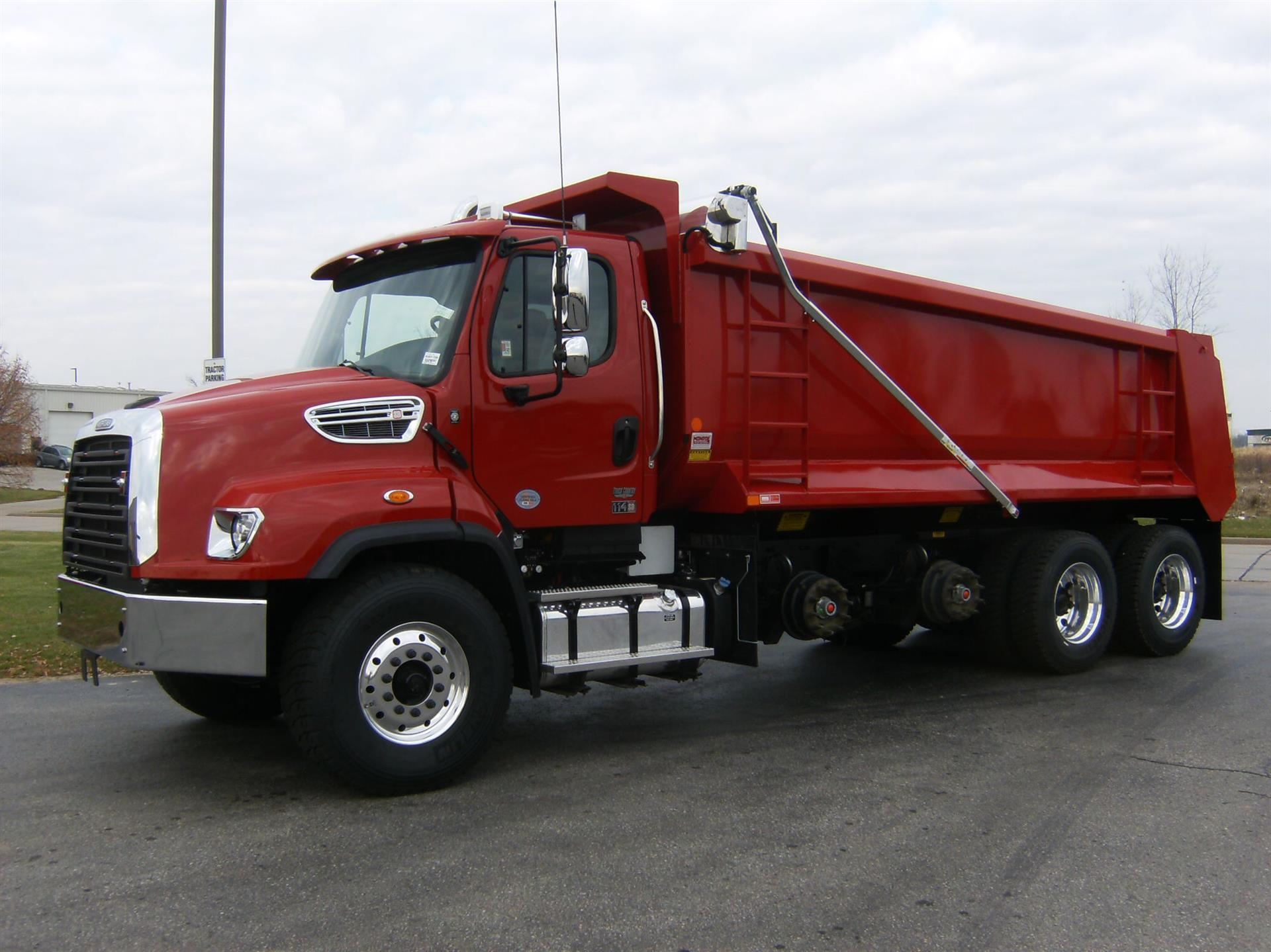 2016 Freightliner 114SD