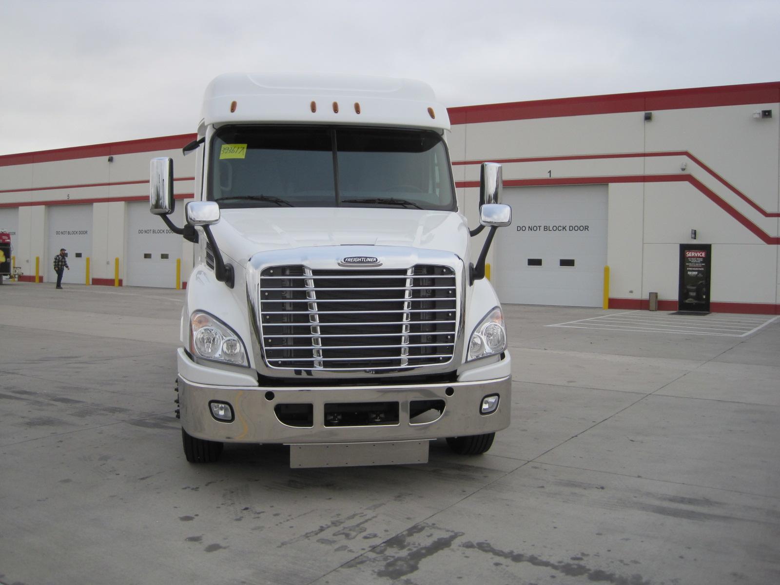 2017 Freightliner CA113
