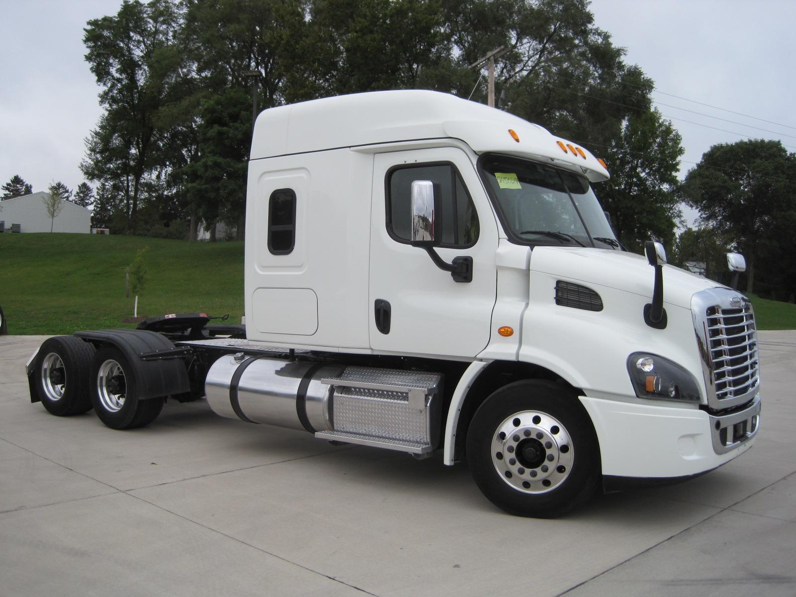 2015 Freightliner CA113