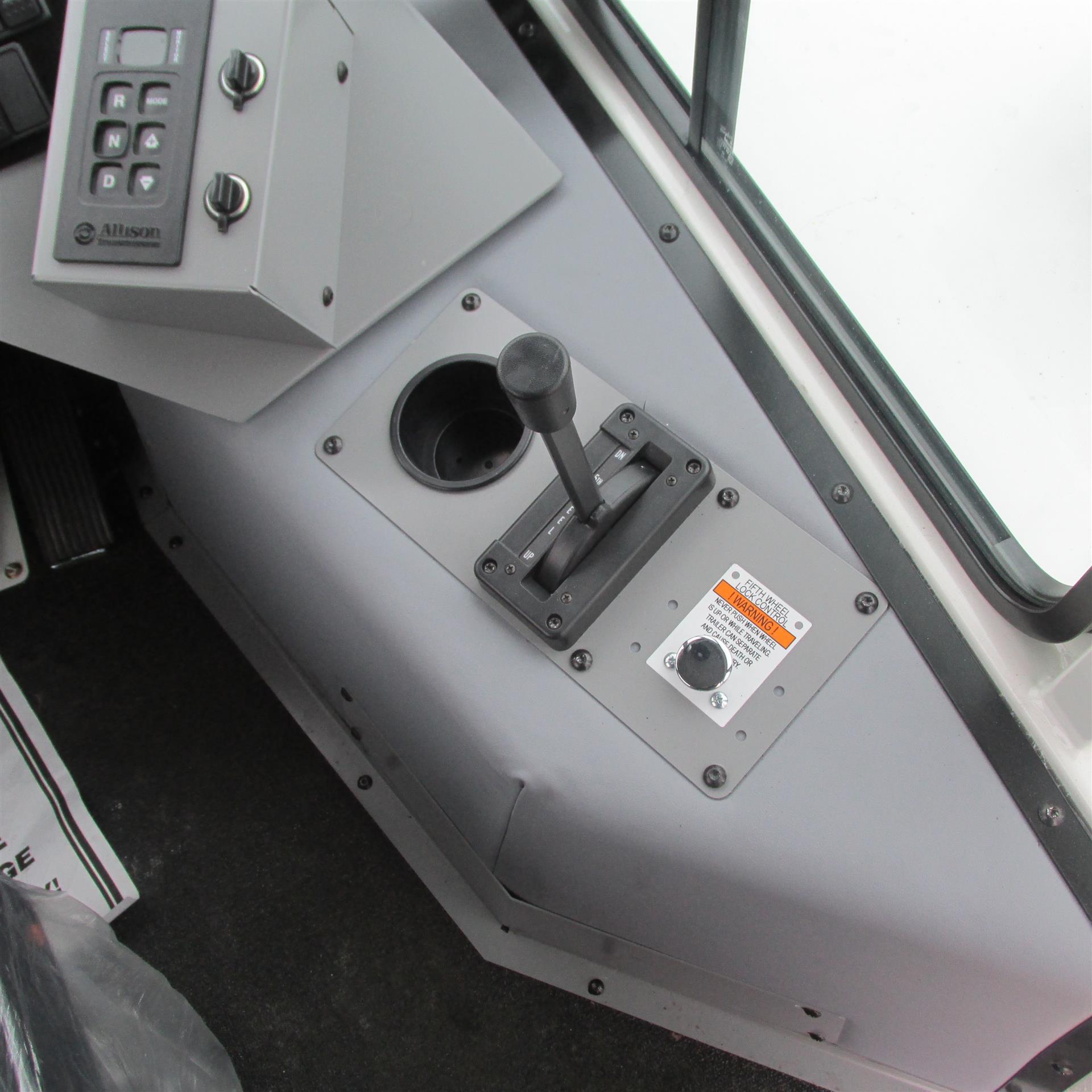 2017 Autocar ACTT42