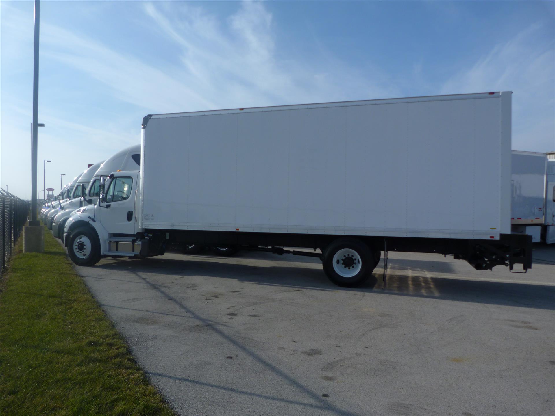 2017 Freightliner M2106