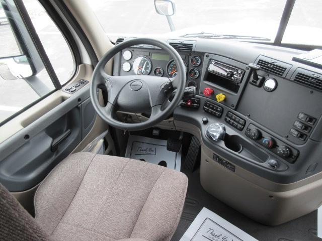 2018 Freightliner CA125