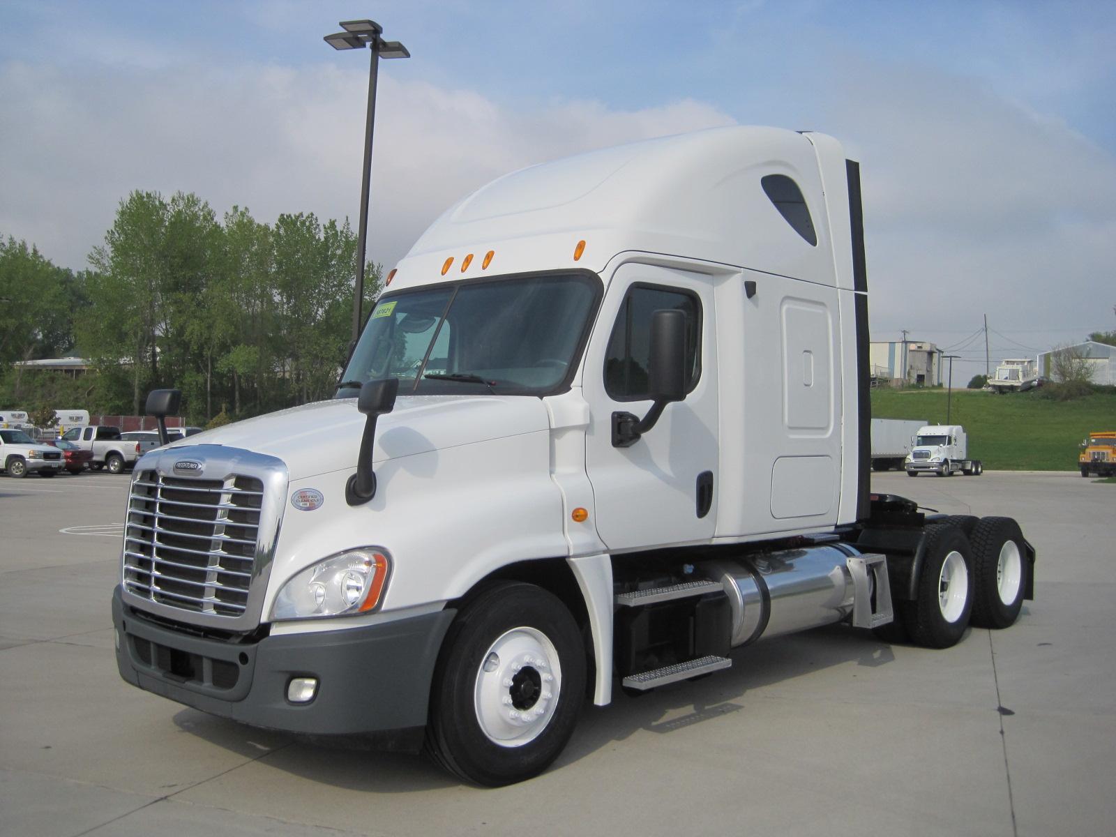 2013 Freightliner CA125