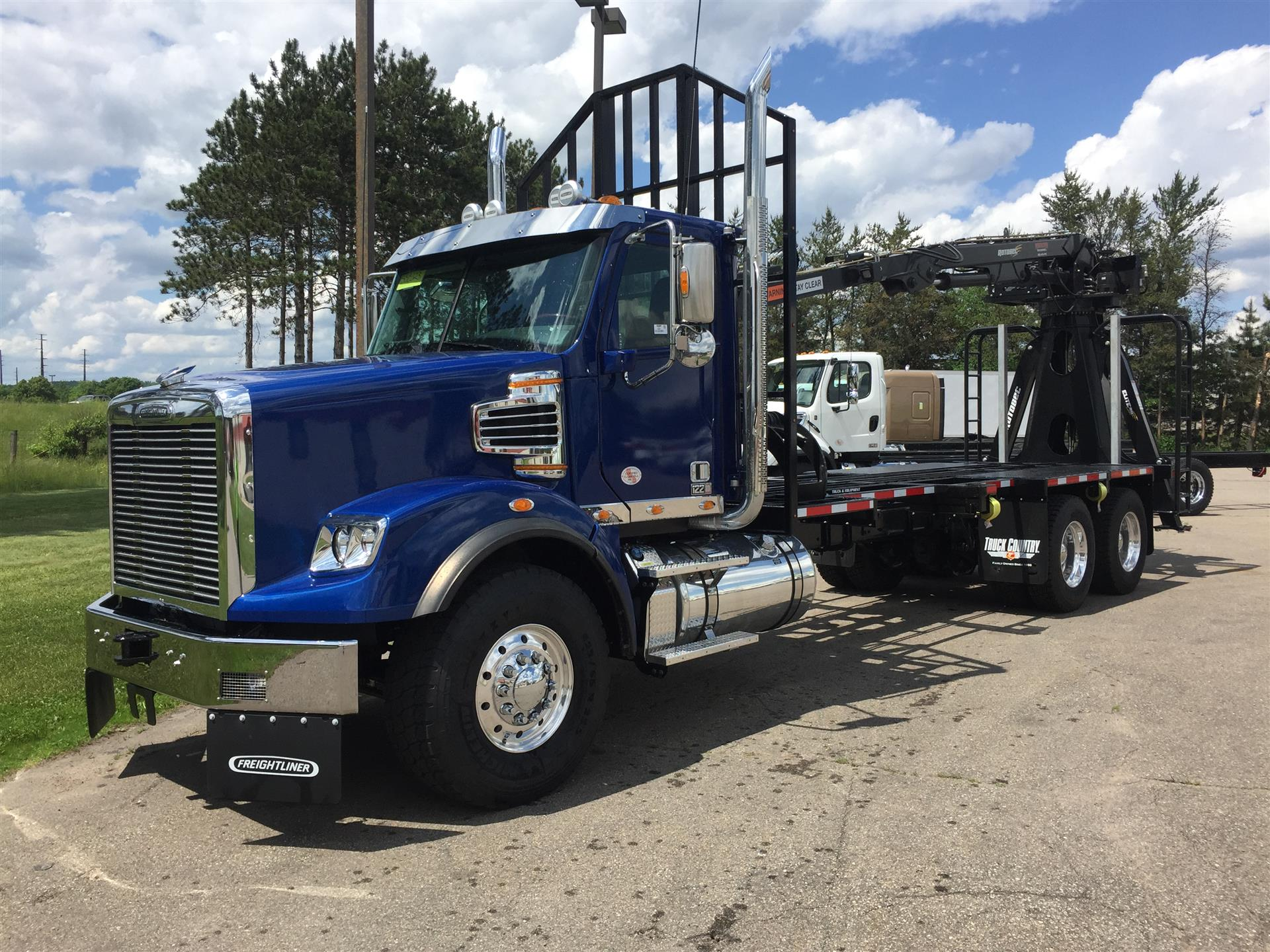 2018 Freightliner 122SD LOG