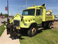 Used 2002FreightlinerFL80 for Sale