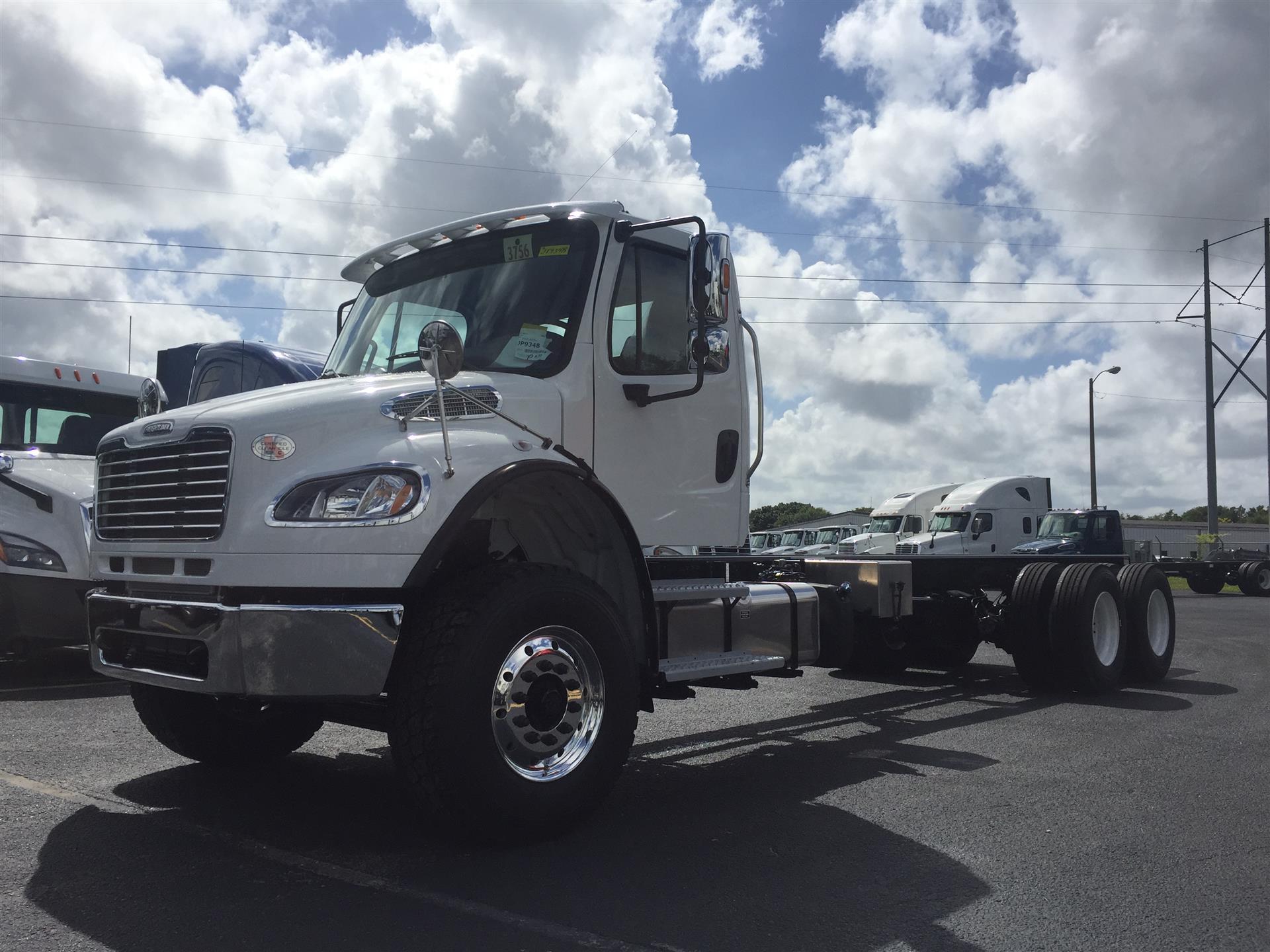 2018 Freightliner M2-106
