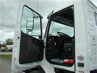 2020 Volvo VHD64B300