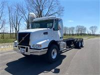 New 2021 Volvo VHD64B300 for Sale