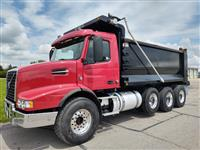 Used 2016 Volvo VHD64B300 for Sale