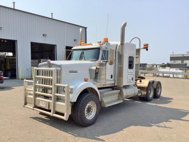 2020 Kenworth W900B