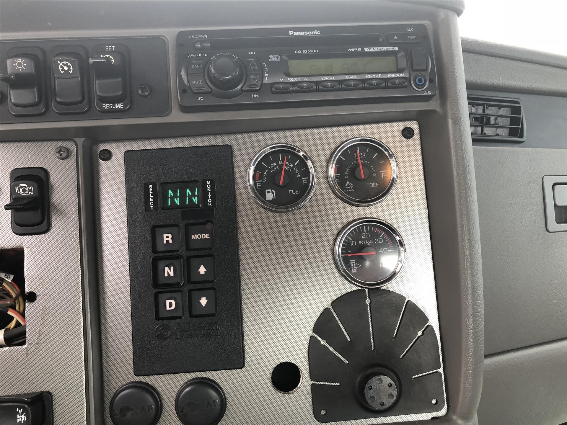 2011 Kenworth- T370