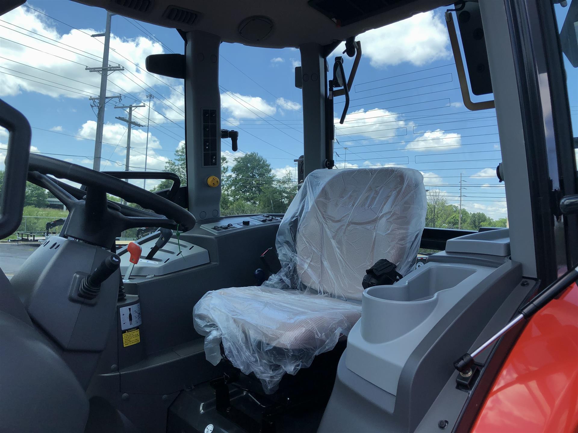 0 Kioti- NX6010 HST Cab