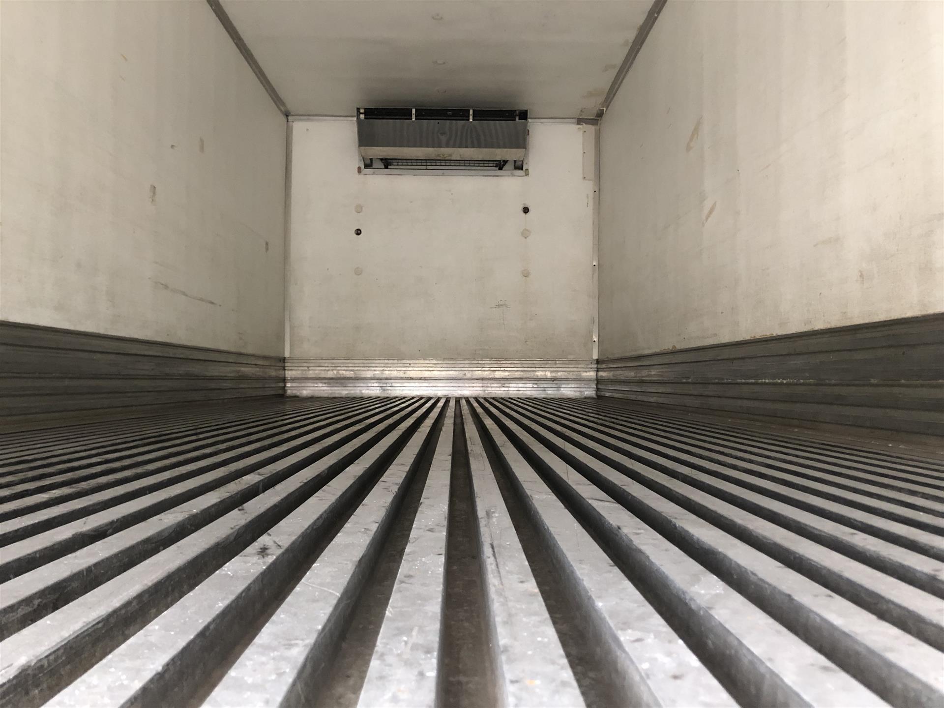 2015 Freightliner- M2