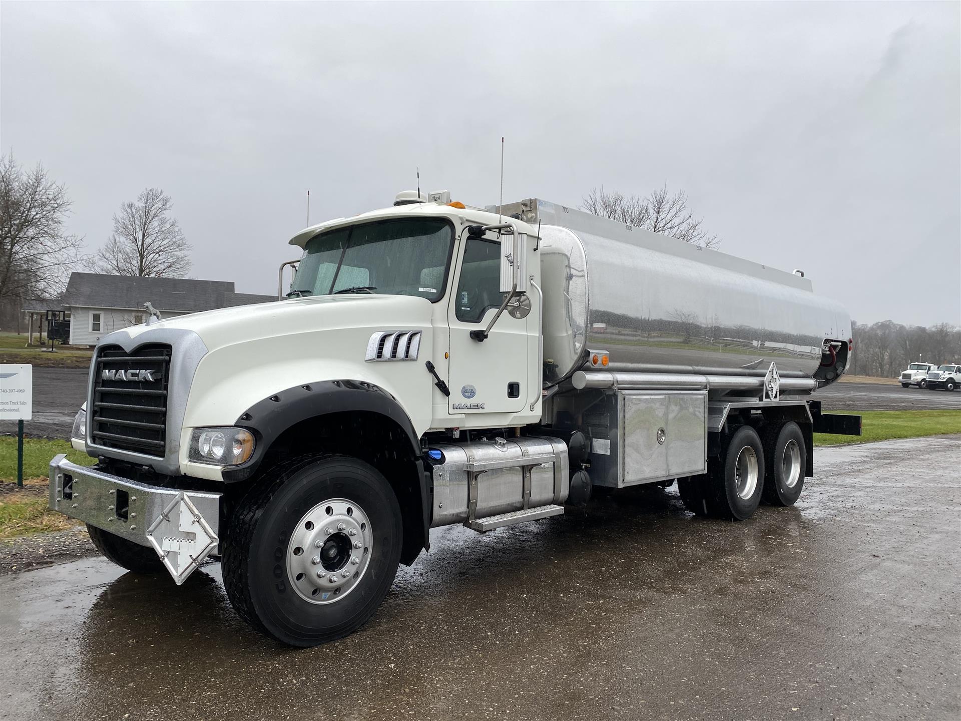 2015 Mack- GU433