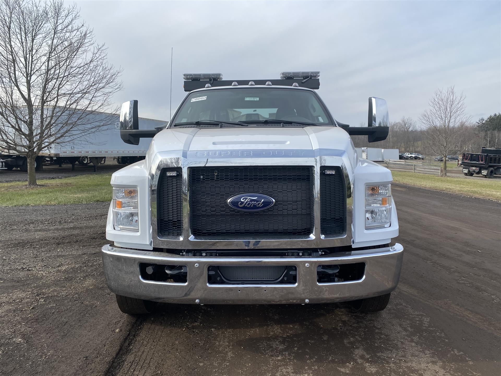 2021 Ford- F-650