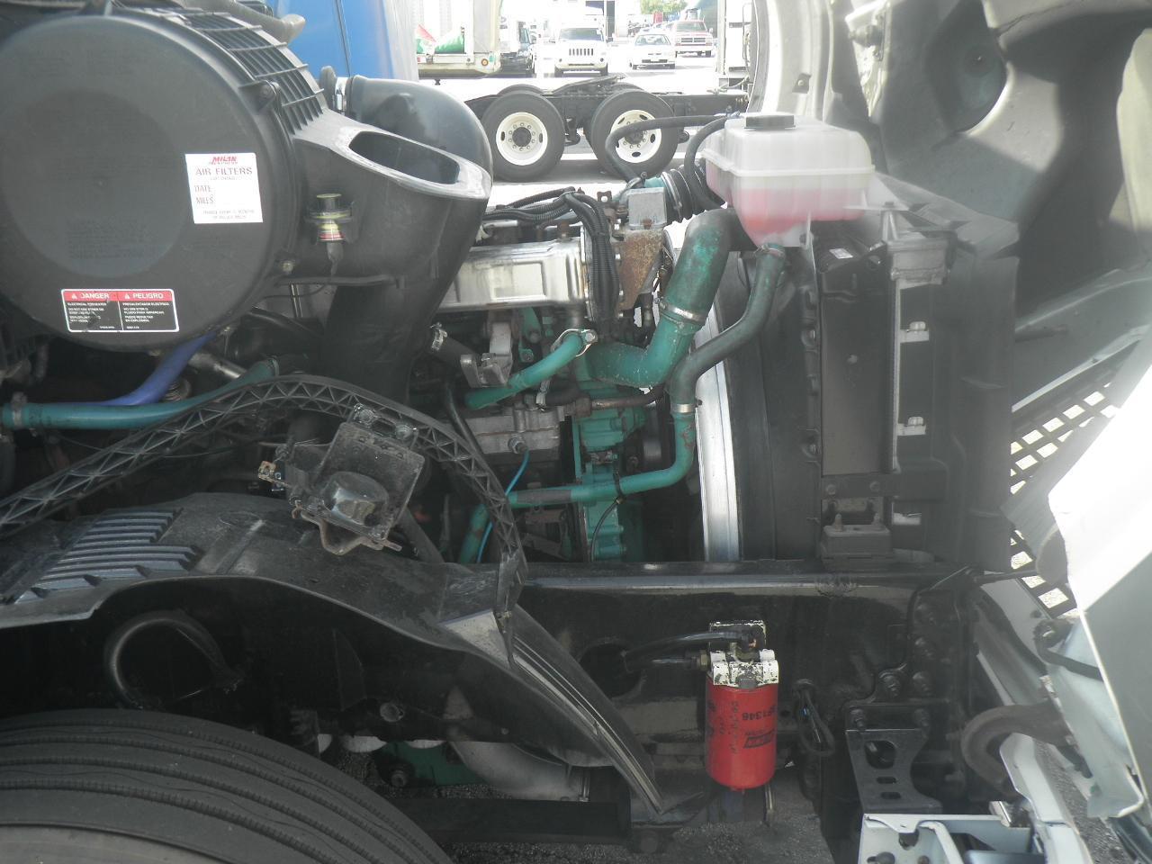 2006 Volvo VNL64T670