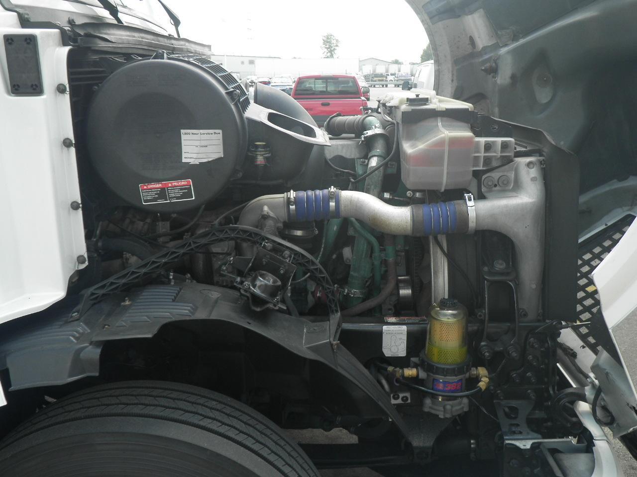 2008 Volvo VNL64T670