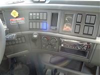 2019 Volvo VHD64B