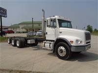 2004 Freightliner FL112