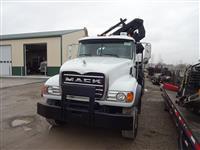2005 Mack CV713 Granite
