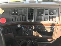 2014 Volvo VNL64T300