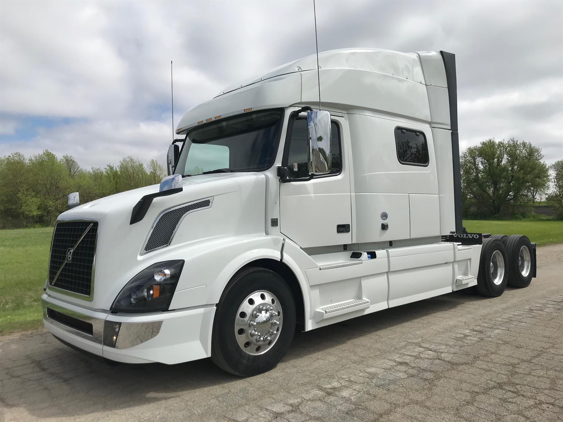 2017 Volvo VNL64T 730