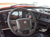 2013 Volvo VNL300