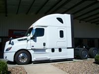 2020 Freightliner NEW CASCADIA