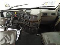 2017 Volvo VNL780