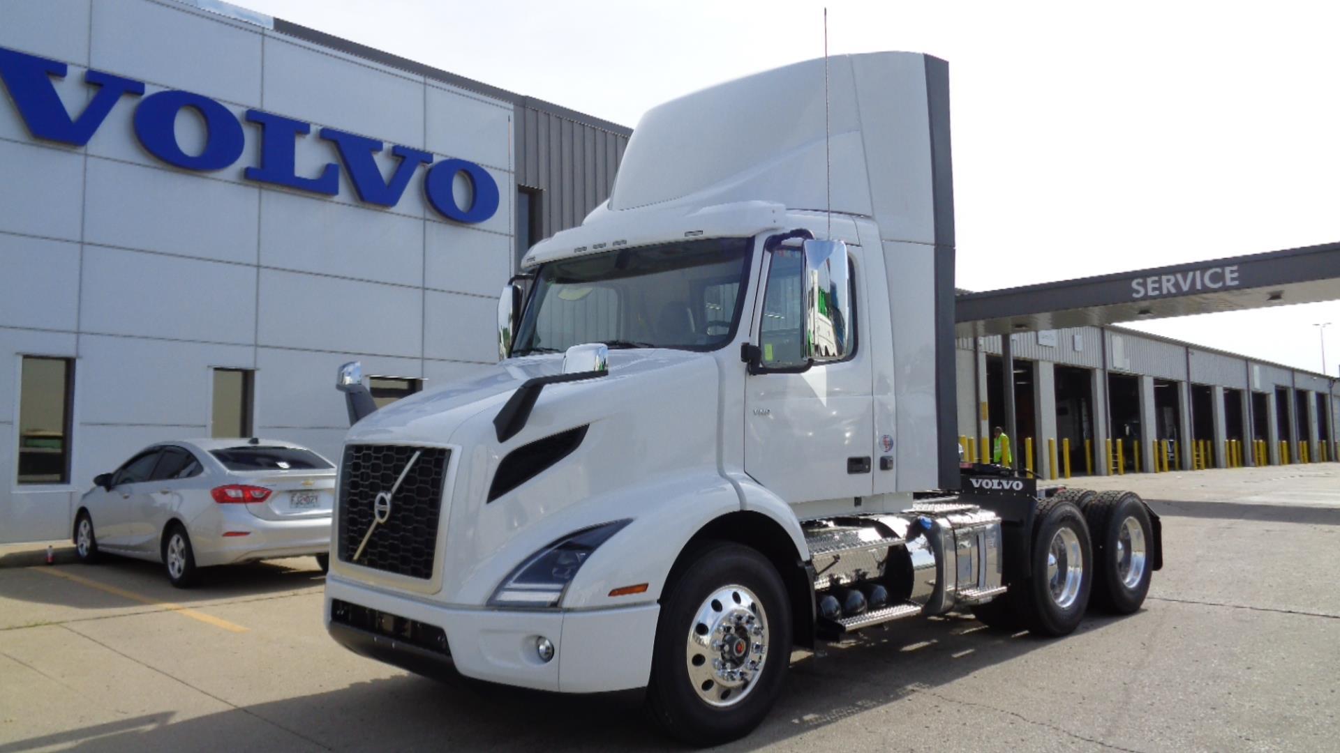 2020 Volvo VNR64T300