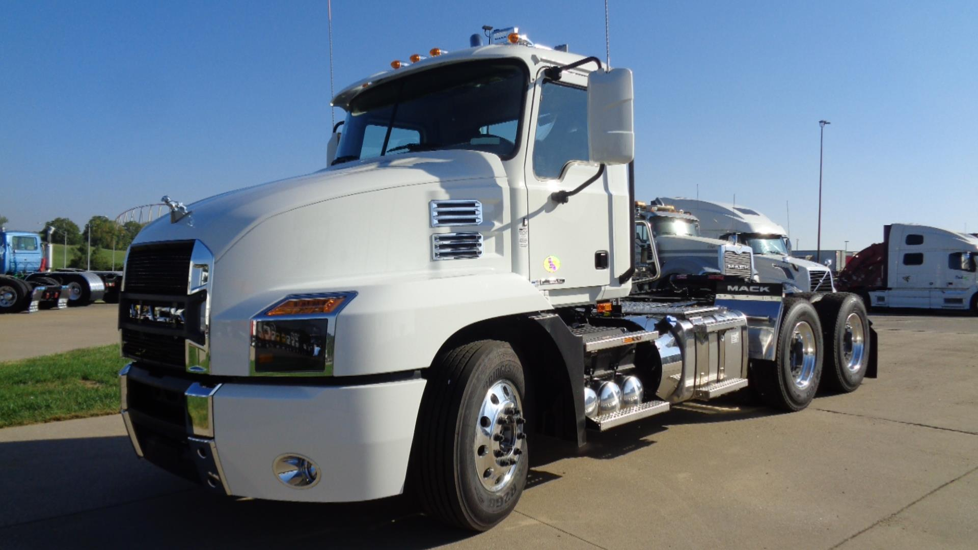 Mack Trucks For Sale >> 2020 Mack Anthem 64t Daycab Semi Truck Kansas City Mo