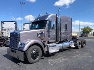 2021 Freightliner 122SD TRACTOR