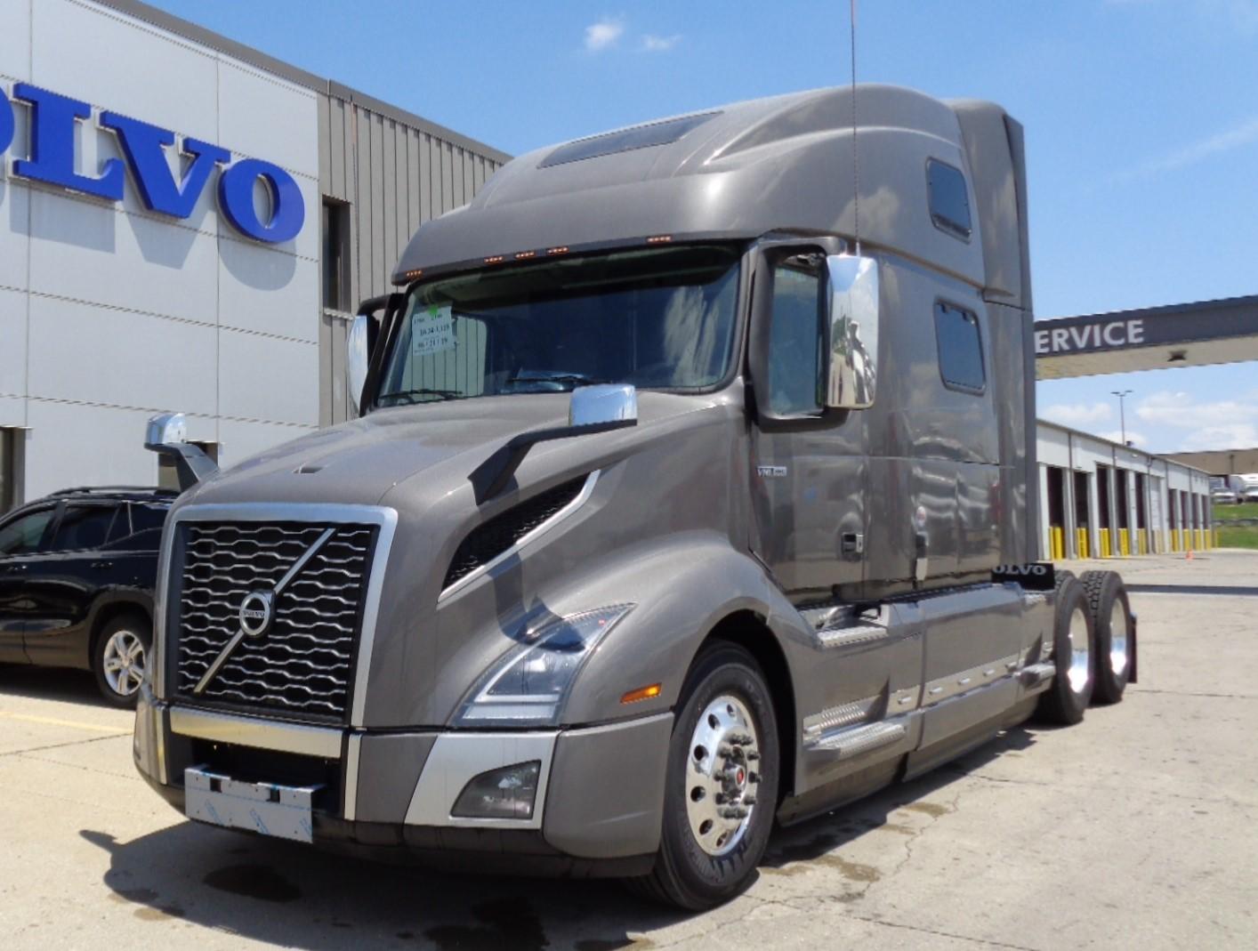 2022 Volvo VNL64T860