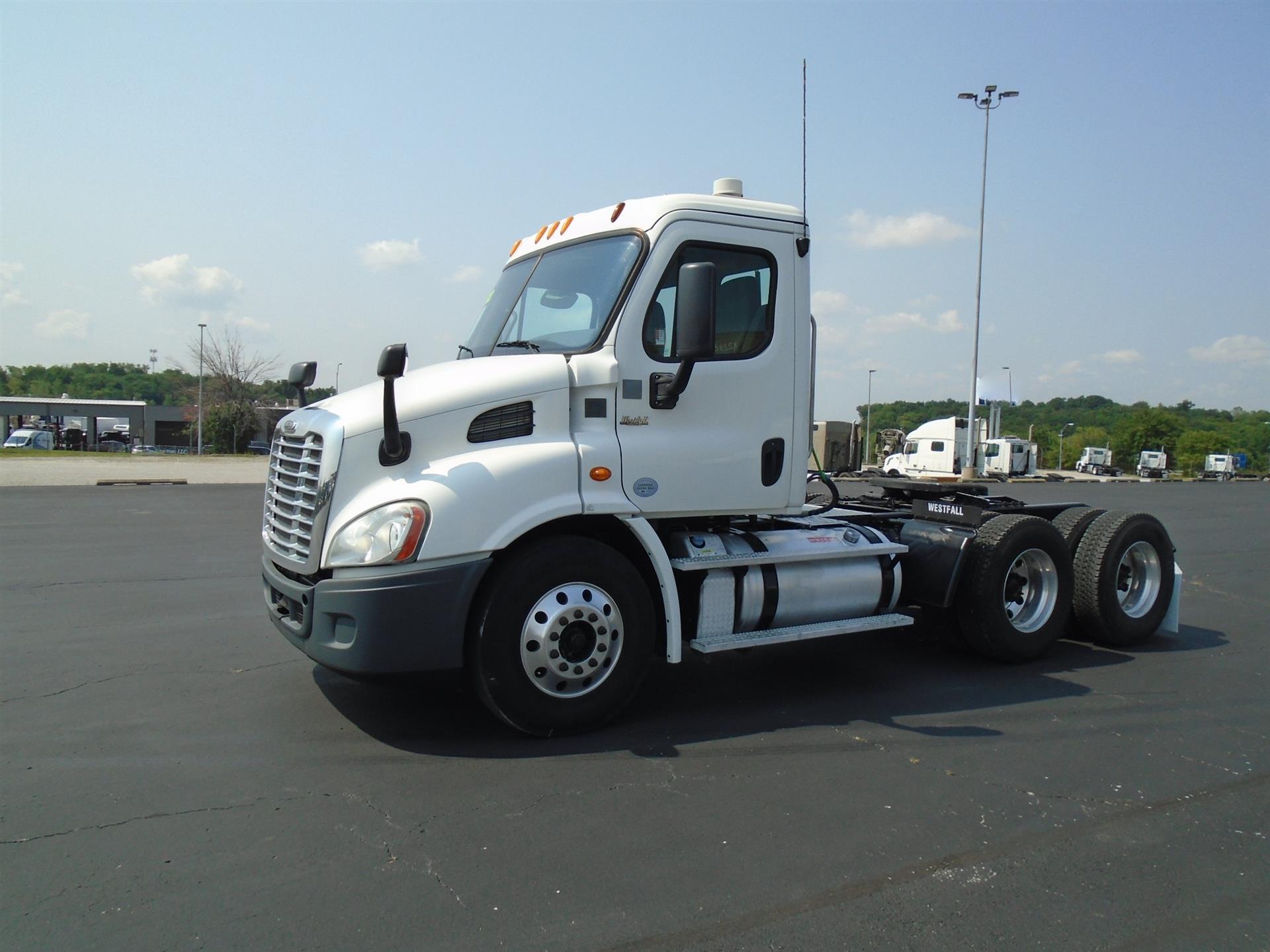 2013 Freightliner CA113DC