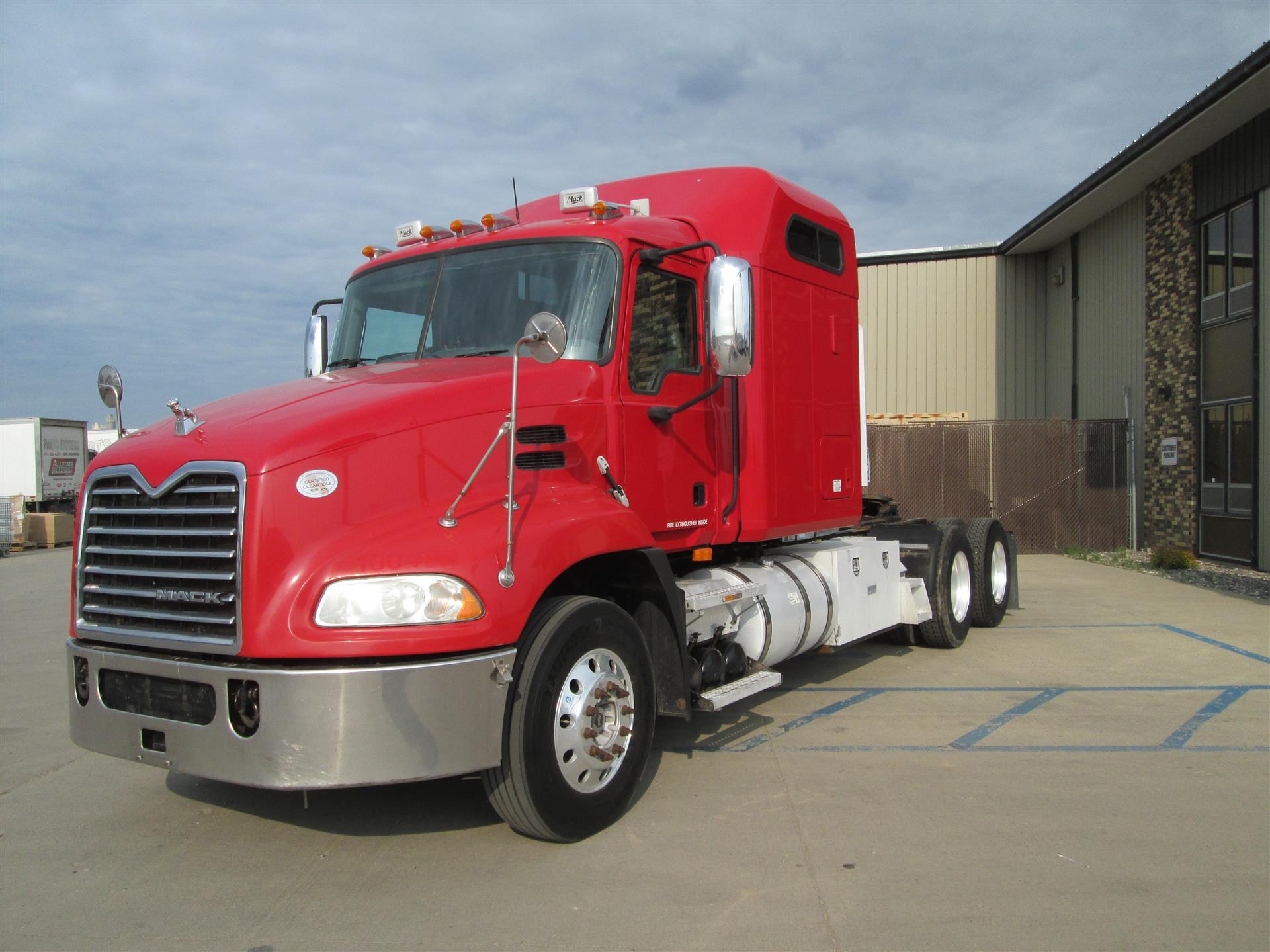 2010 Mack CXU613 MN010961