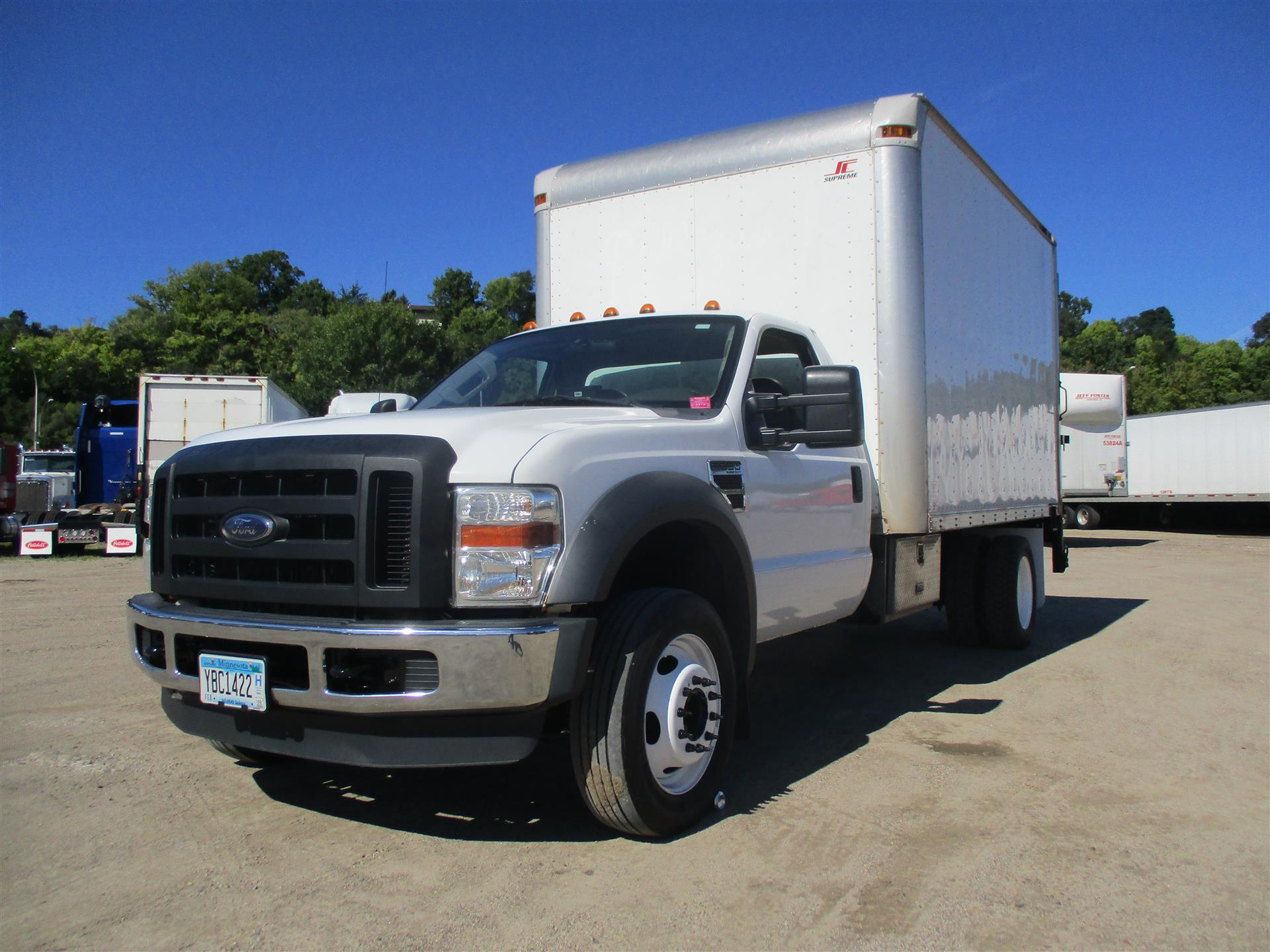 2009 Ford F550 4x2