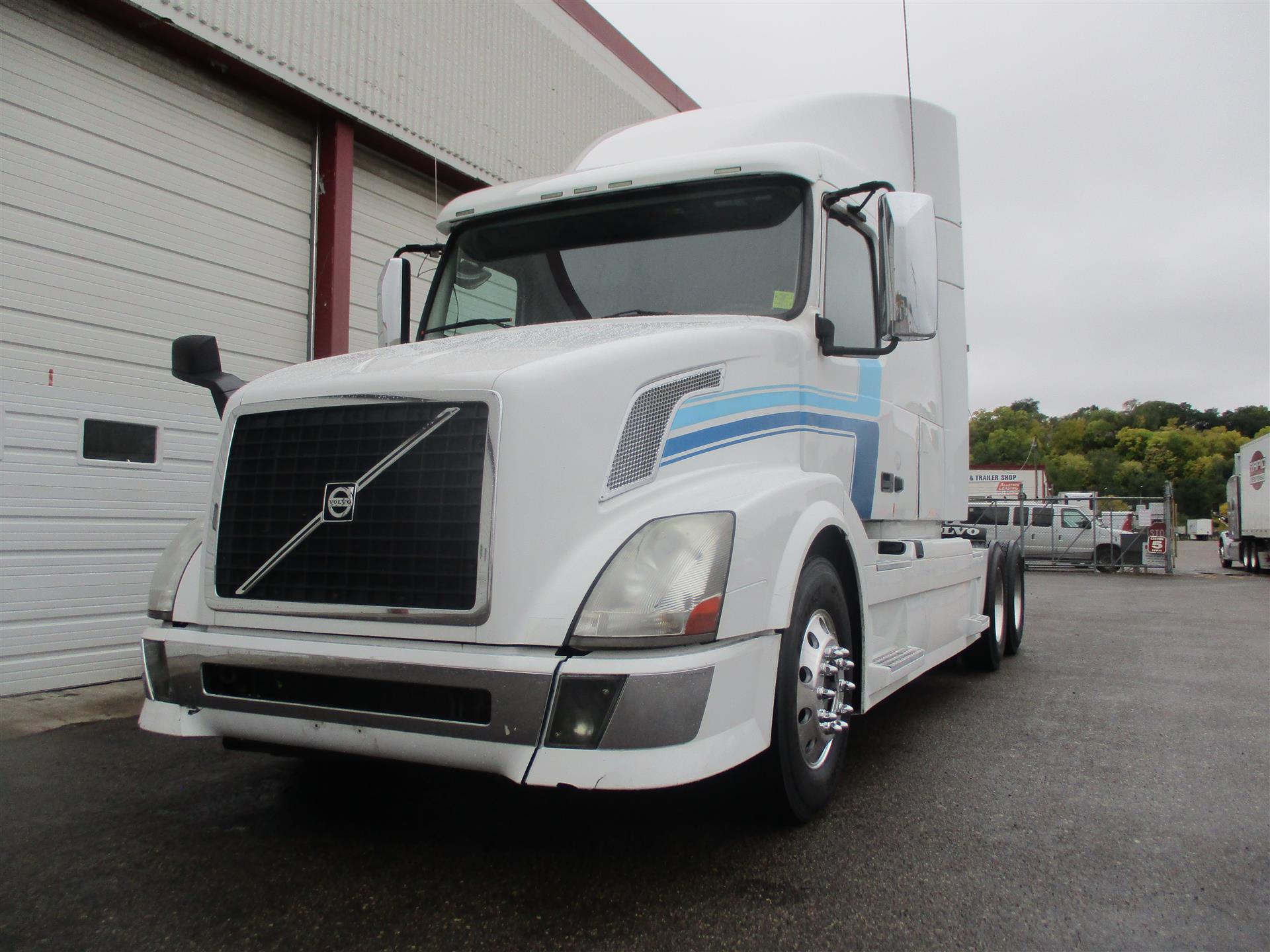 2012 Volvo VNL64T630