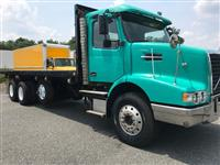 Used 2006 Volvo VHD84B200 for Sale