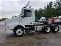 Used 2006 Volvo VNM64T for Sale