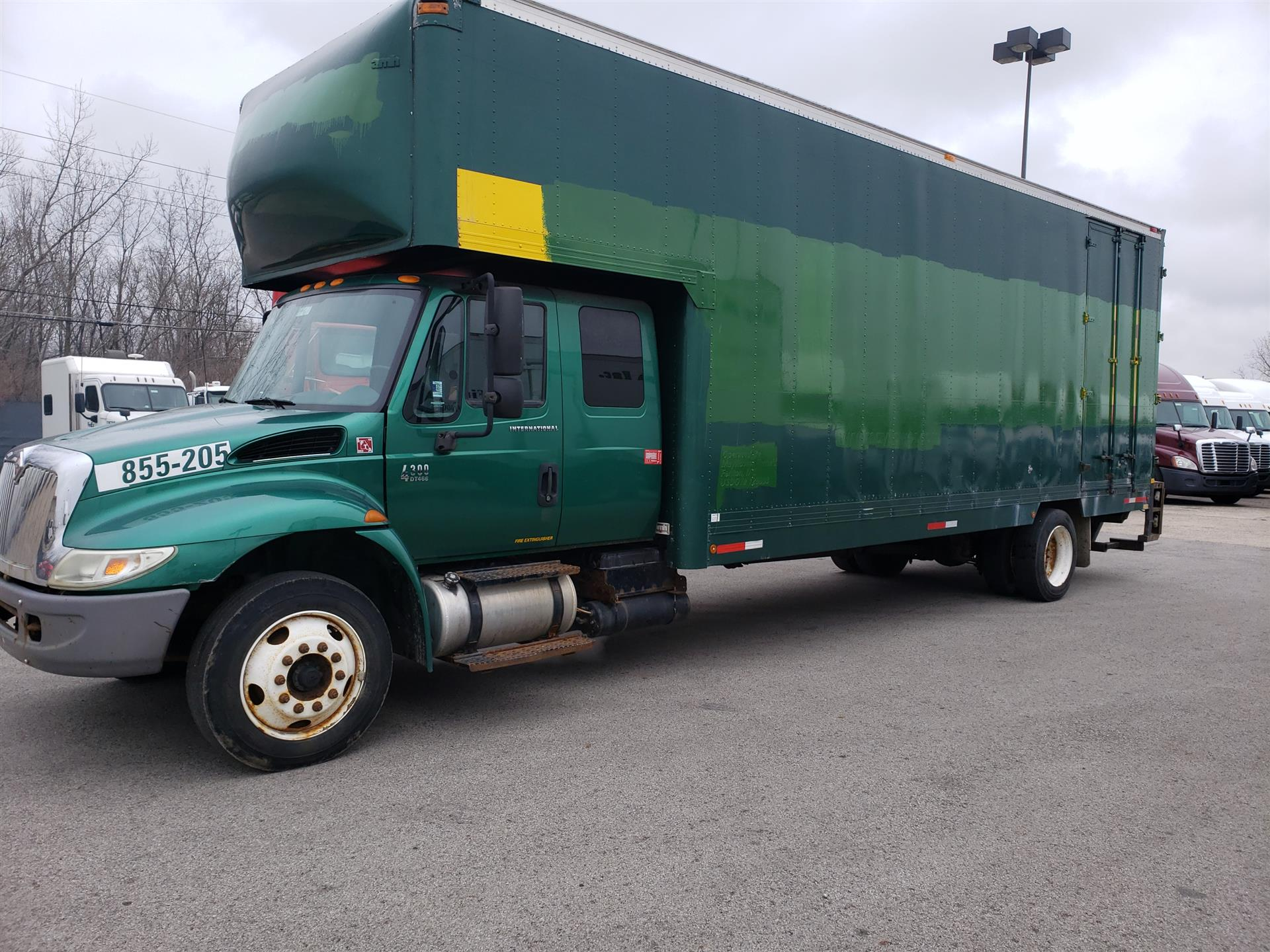 2005 International 4300 Ext Cab